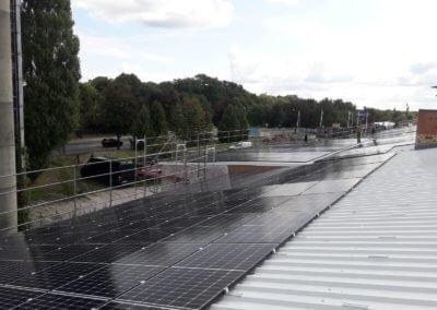 Rusztowanie dachu pod elektrownie słoneczną