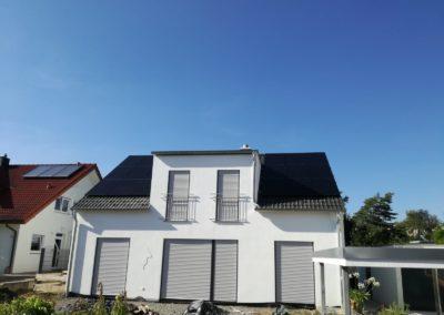 Czarne panele fotowoltaiczne z systemem Solaredge